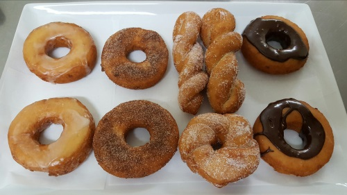Donuts/Maple Bars/Apple Fritters